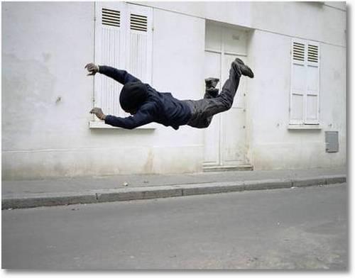 Fotos de gente cayendo